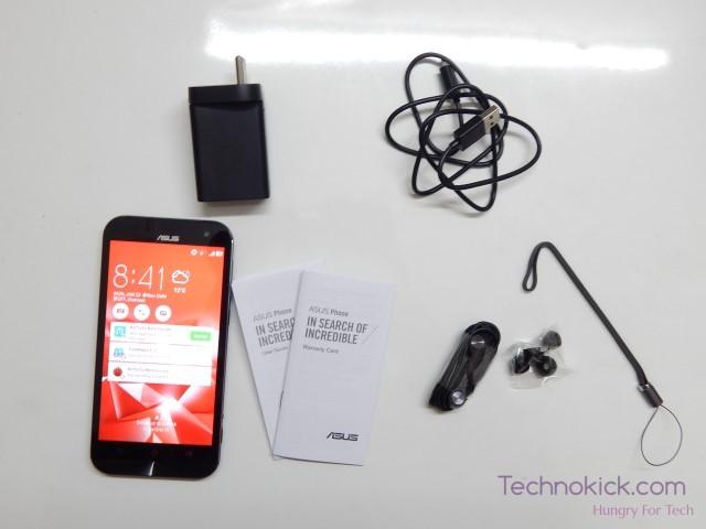 Asus Zenfone Zoom box contents