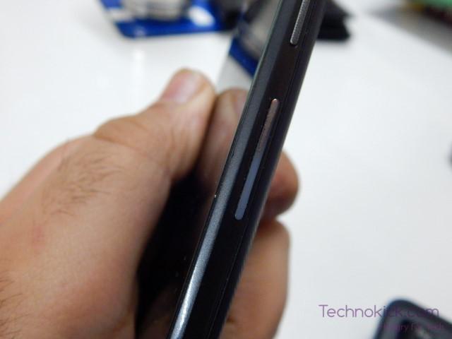 Motorola Moto G3 volume rocker rusting