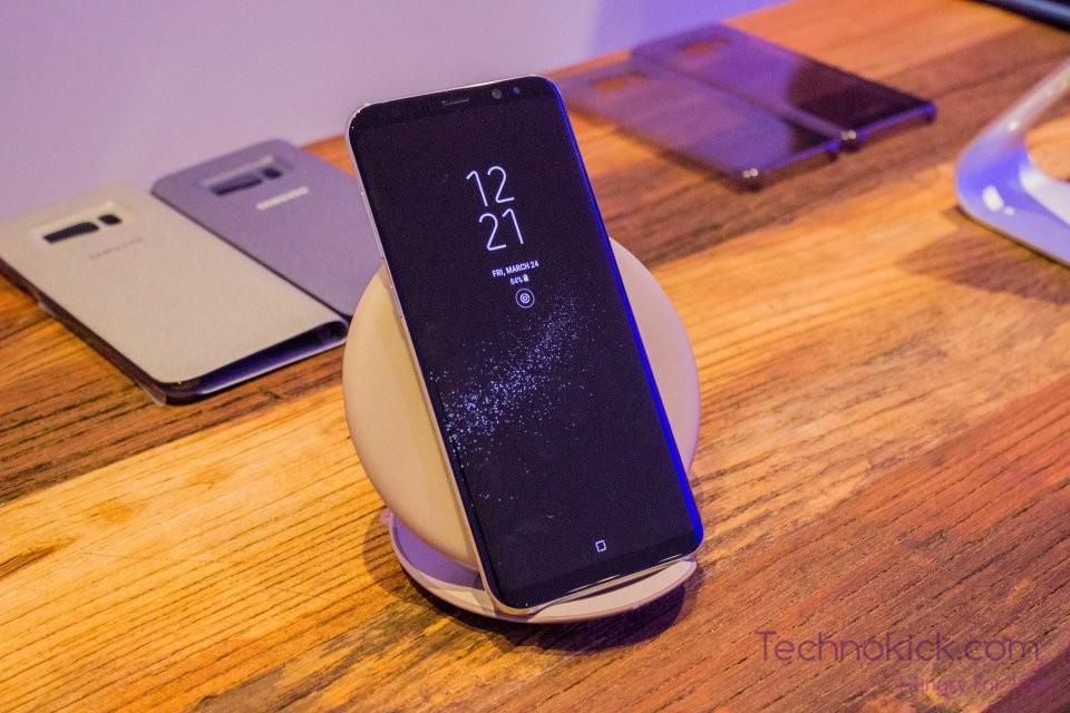 galaxy-s8-wireless-charging-pad